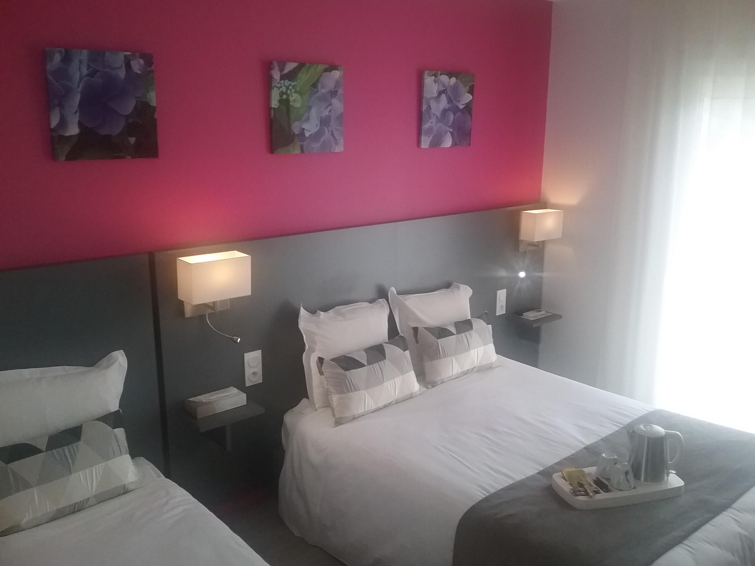 chambre hotel saint jean de monts. Black Bedroom Furniture Sets. Home Design Ideas